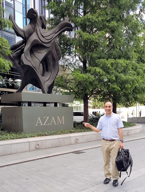 Me a couple of days ago outside the four-metre high 'Azam' bronze-cast sculpture which was unveiled in February 2008. The azam.com domain name is now owned by the artist who designed this sublime work of art
